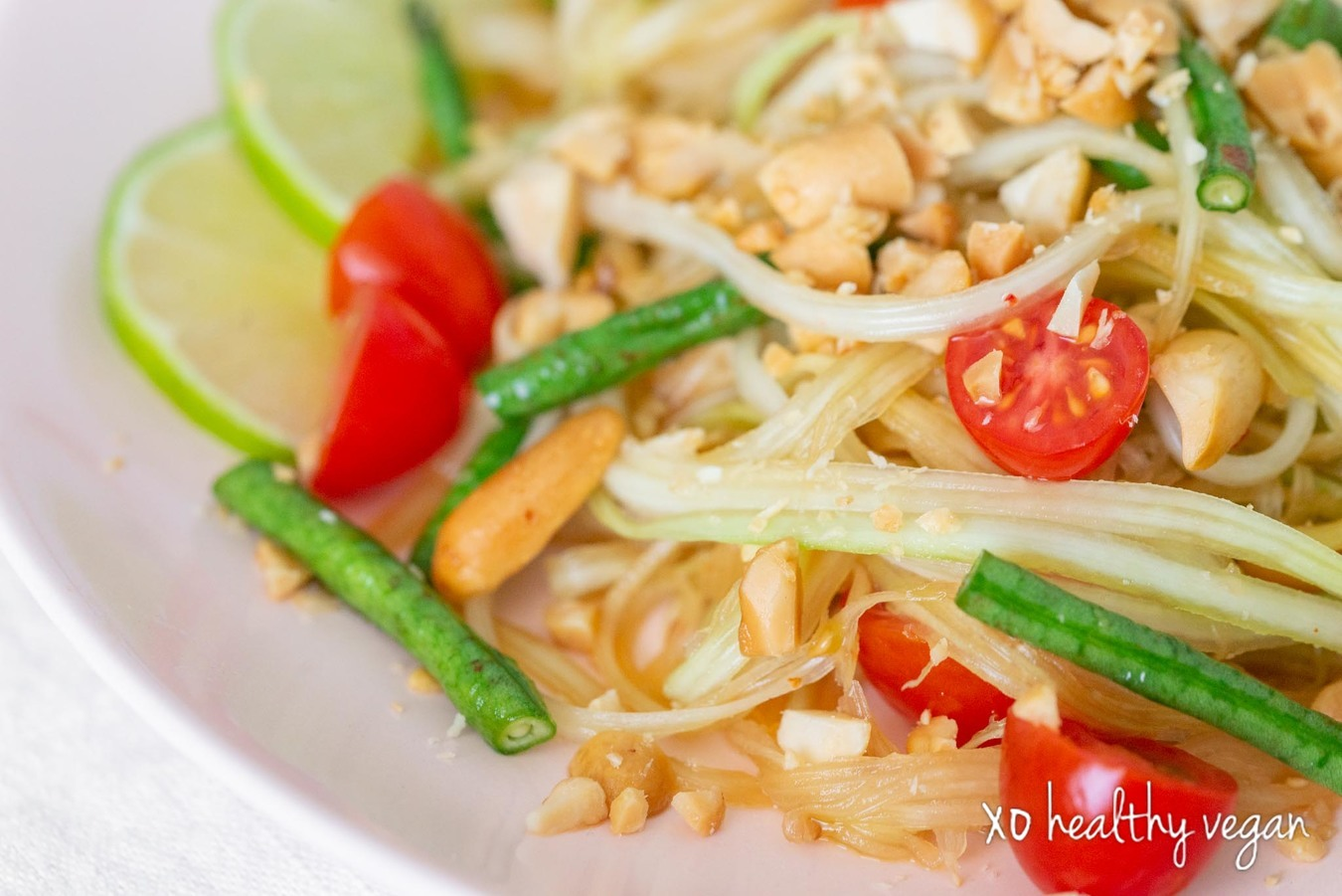 Healthy-Vegan-Green-Papaya-Salad-2